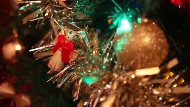 vánoční stromeček s dekoracemi