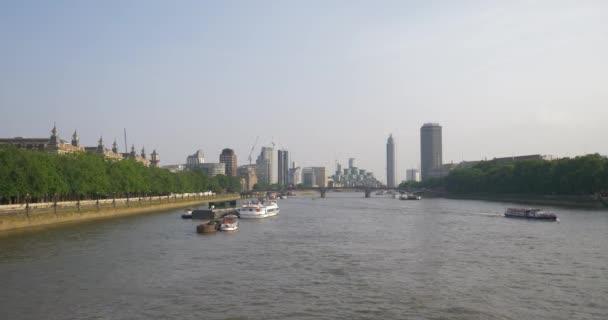 City of london és a Temze