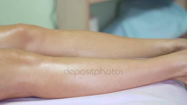Masáž nohou v salonu