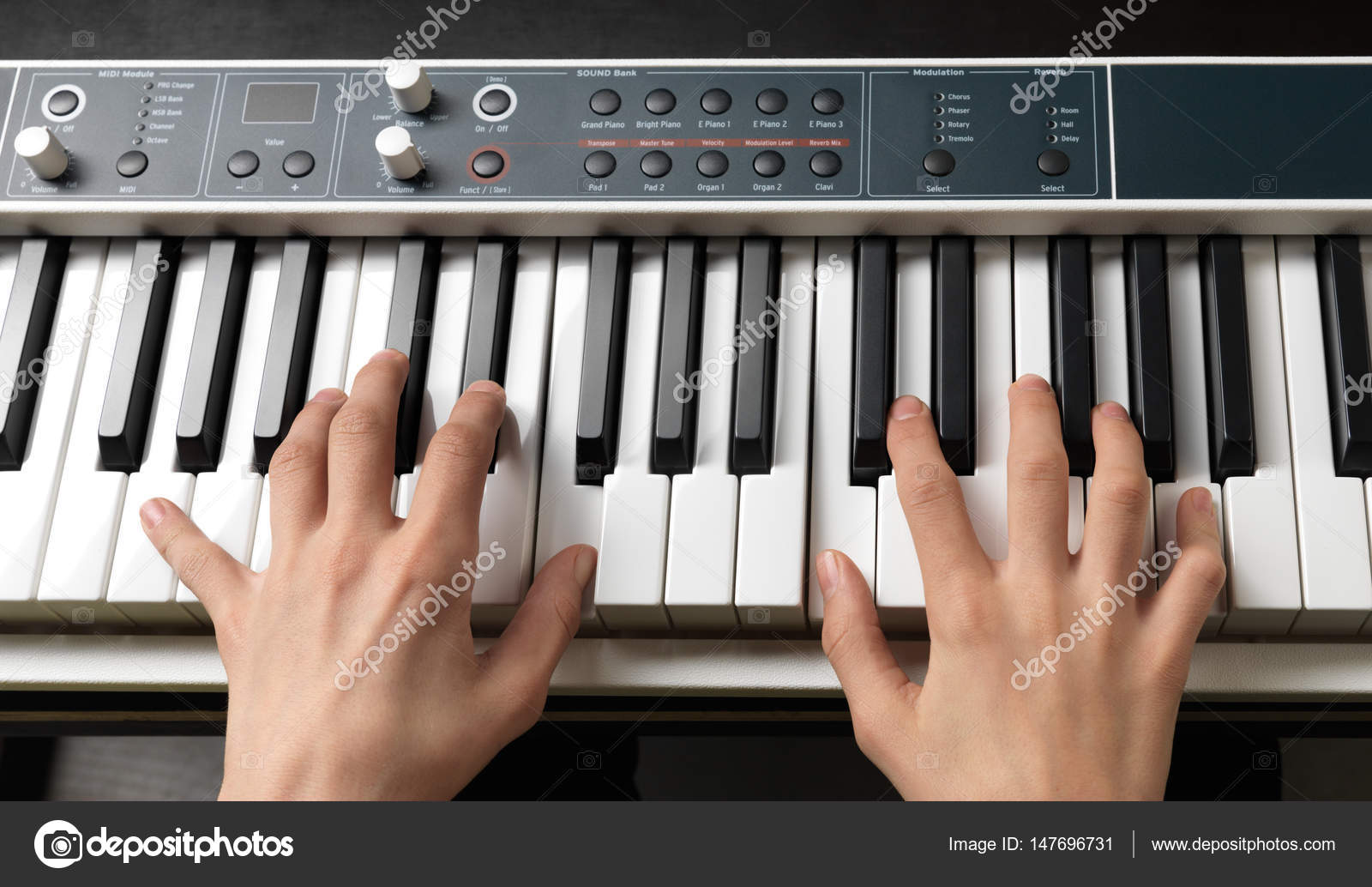 Piano keys  Full-sized keyboard  — Stock Photo © Onradi