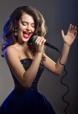 Beautiful Singing Girl