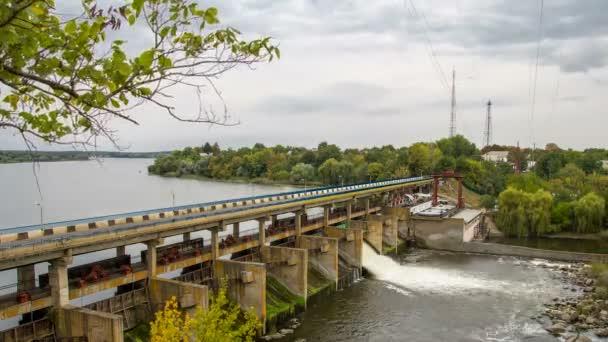 Timelapse vodní elektrárna 4k