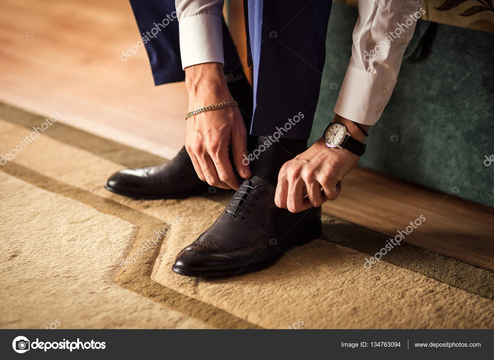 eb234bd310 empresário roupas sapatos