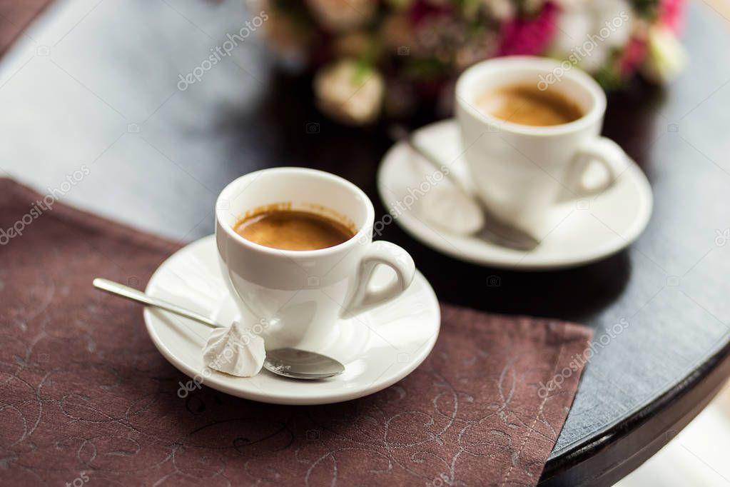 Datieren von den Singles nur Kaffee sm bestätigt yuri-Datierung