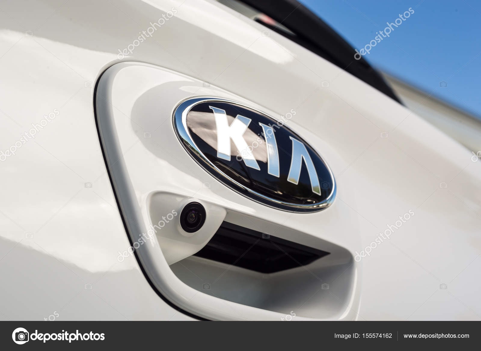 is carcostcanada gallery sx logo buyers car road serious kia review contender as door the pulls test goes far into rio news segment a of new droves south subcompact