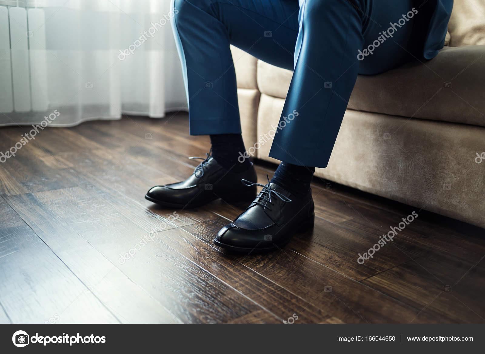 Man mode mannen accessoires zakenman kleding schoenen politicus