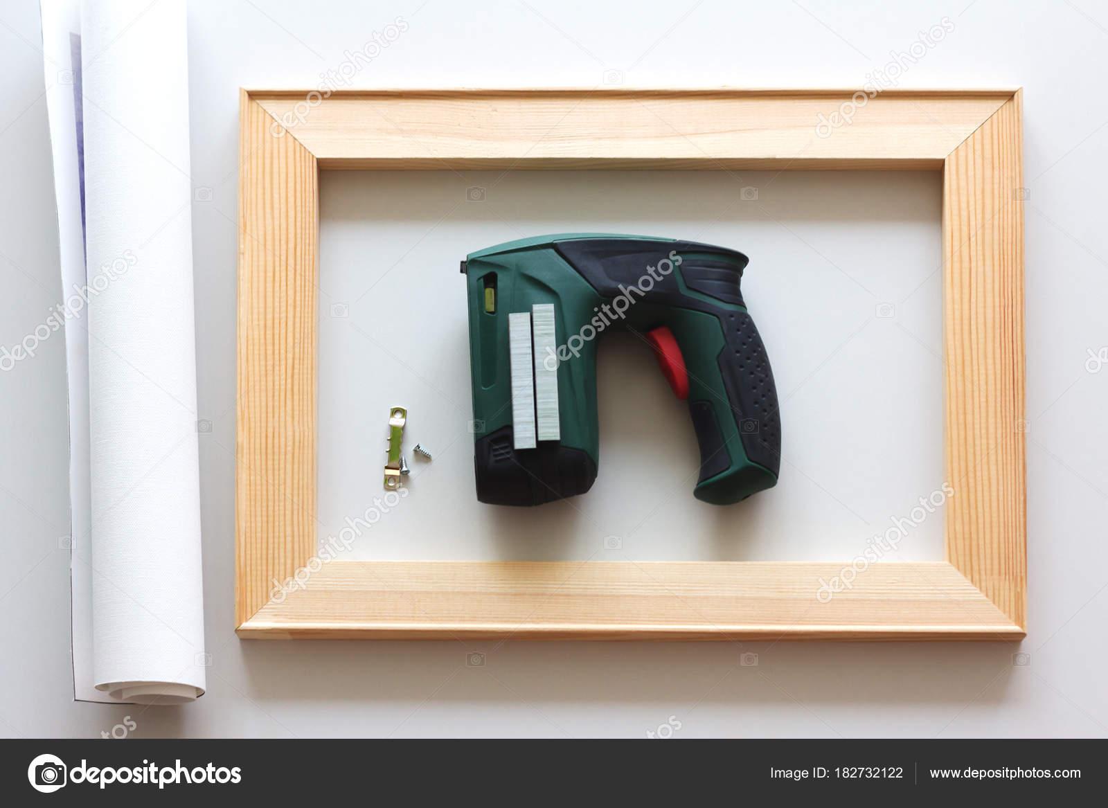 Werkzeuge Zum Spannen Einer Leinwand Auf Keilrahmen Drucken Leinwand ...