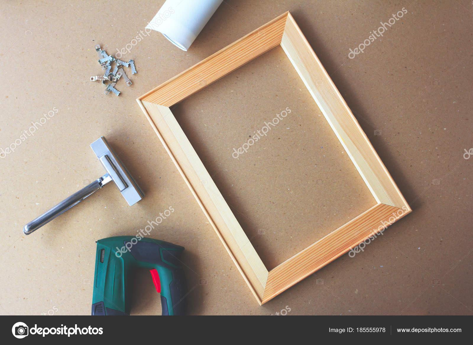 Werkzeuge Zum Spannen Einer Leinwand Auf Keilrahmen Canvas Leinwand ...