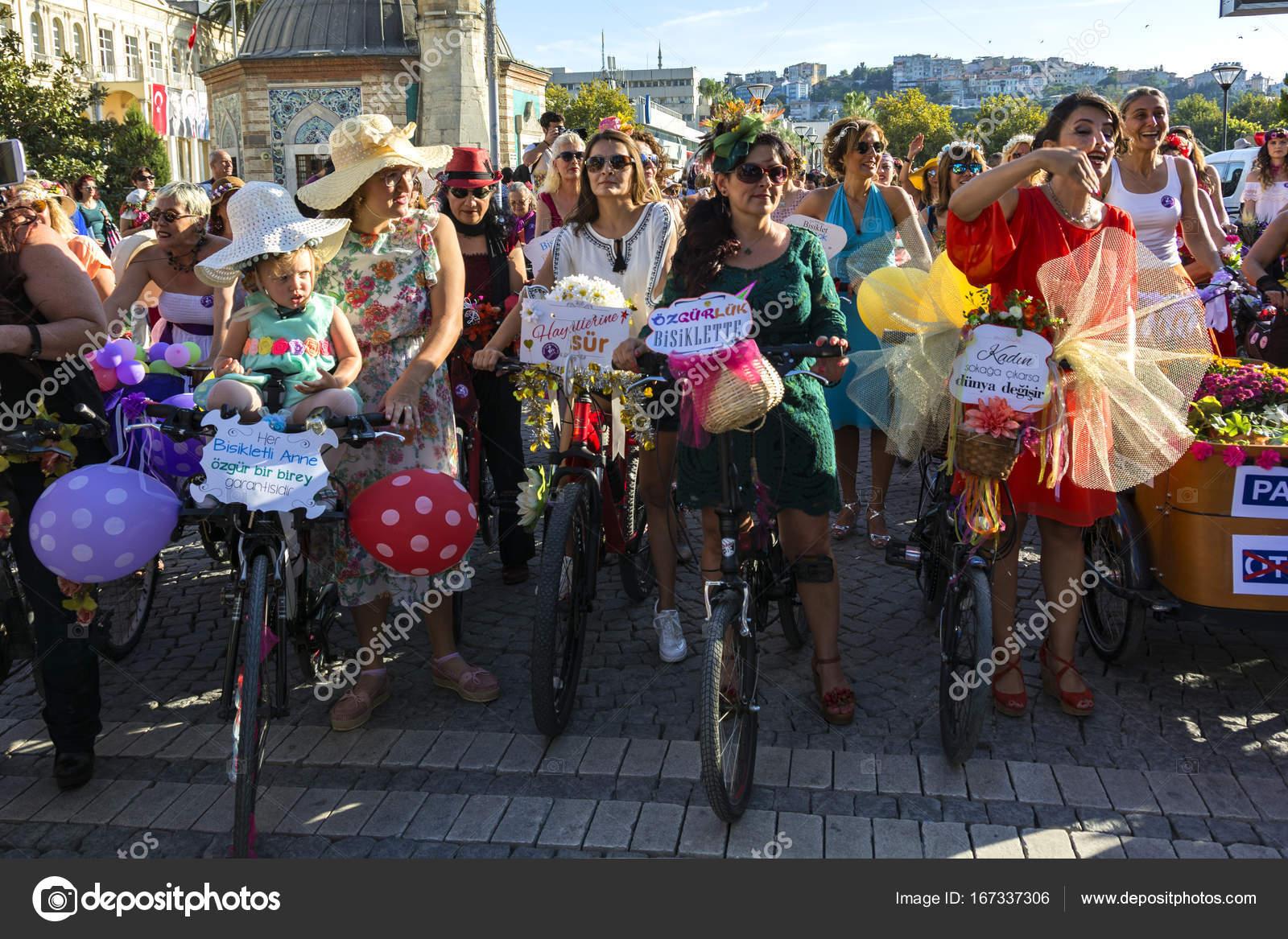 09 24 2017 Konak Izmir Turkey Izmir Fancy Women Cycling Festival Stock Editorial Photo C Muratti6868 167337306