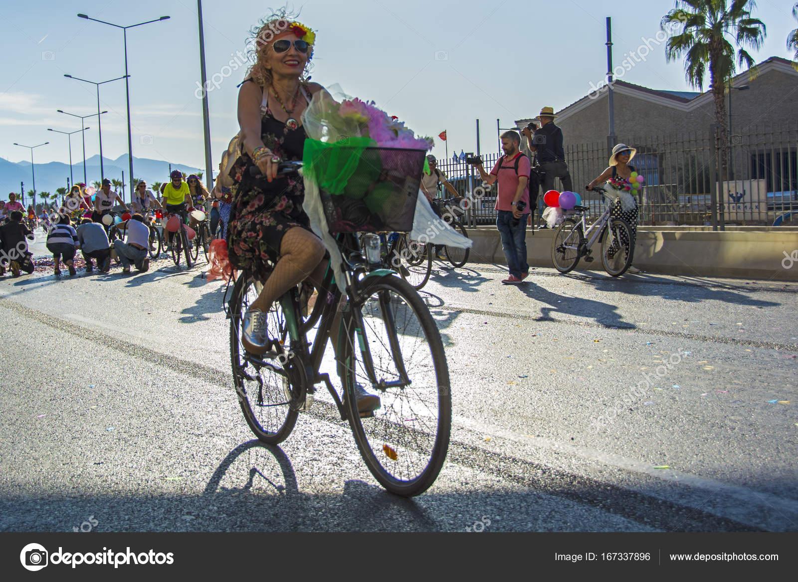 09 24 2017 Konak Izmir Turkey Izmir Fancy Women Cycling Festival Stock Editorial Photo C Muratti6868 167337896