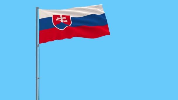 Izolovat vlajka Slovenska na stožáru vlaje ve větru na modrém pozadí, vykreslování 3d, 4 k prores záznam, alfa průhlednost