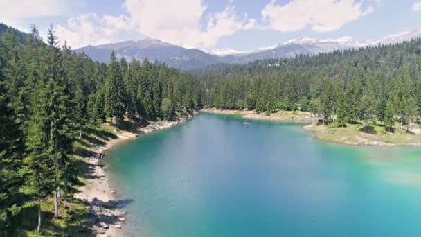 Krásné jezero Švýcarsko Alpy