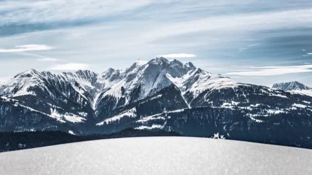 Zimní krajina s horami, Švýcarsko, Signina, Timelapse