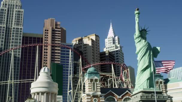Socha svobody, budova, horská dráha Manhattan Usa