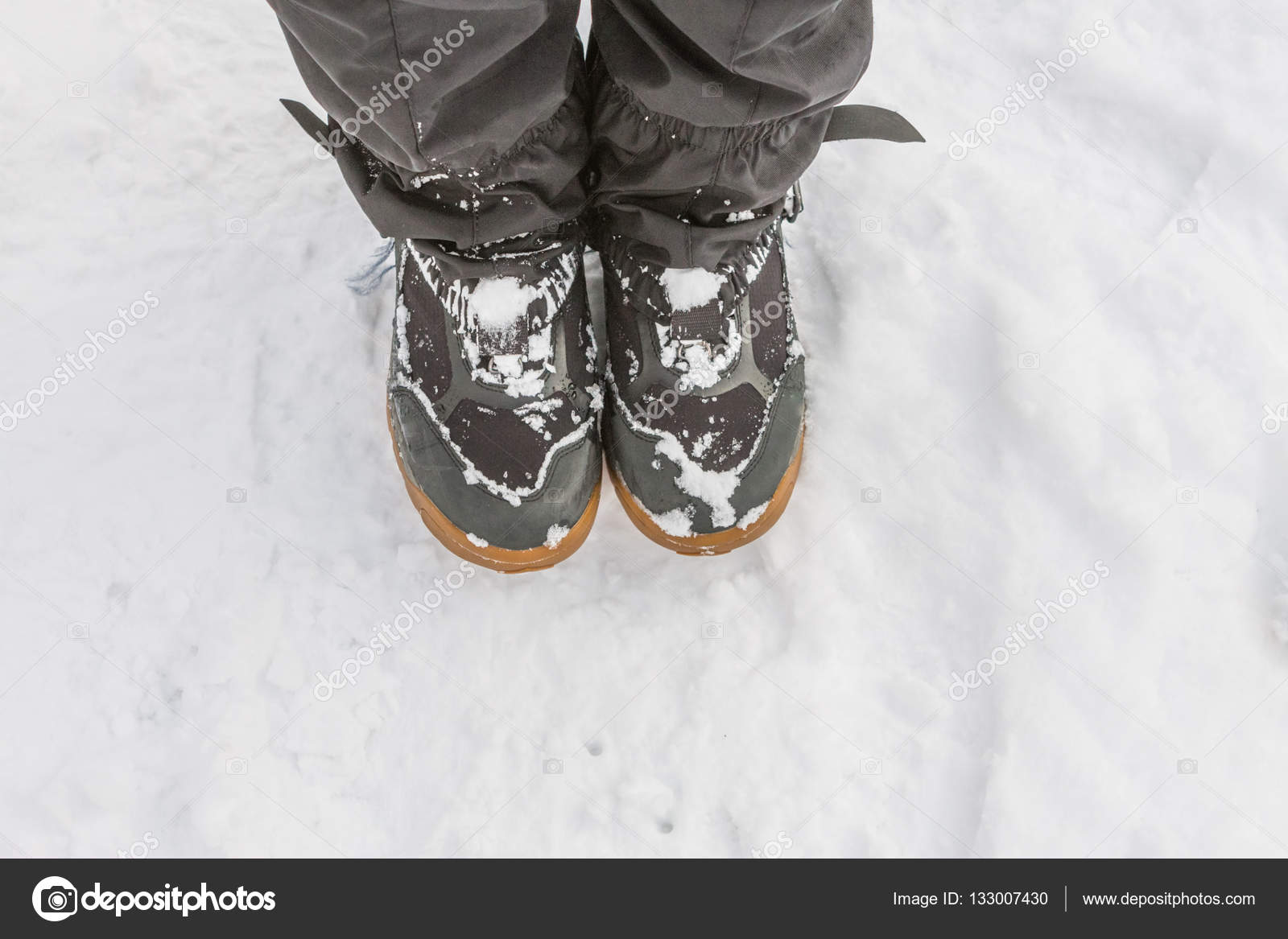 a9fc39984f06 depositphotos 133007430-stock-photo-top-view-of-feet-in.jpg