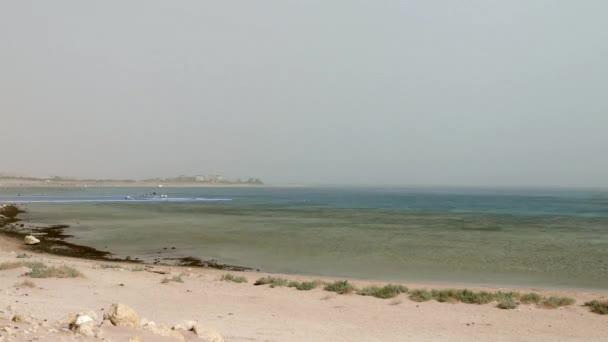 Pontony v Rudém moři v Sharm El Sheikh. Timelapse