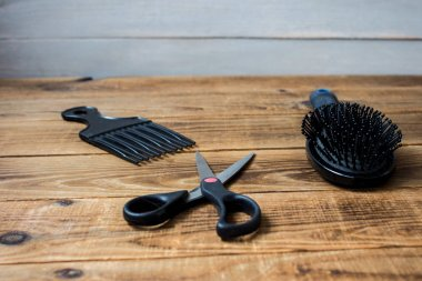 a combs and scissors
