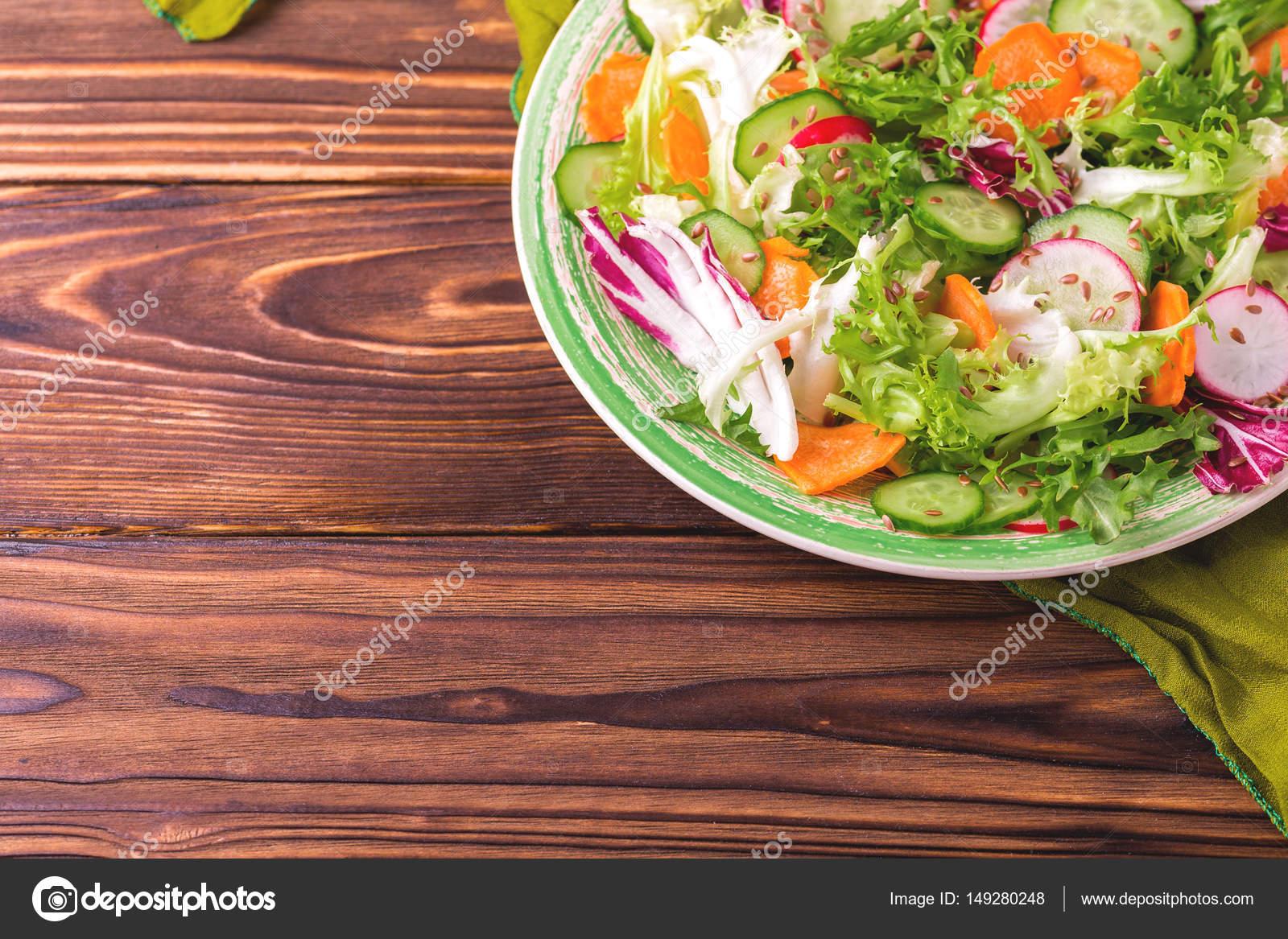 Taze Baharatlı Bahçe Salatası
