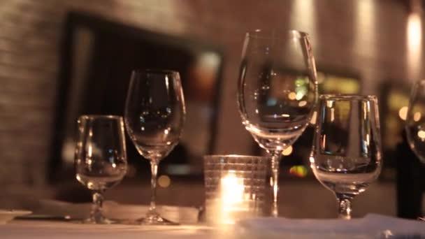 Romantická restaurace vnitřní večer