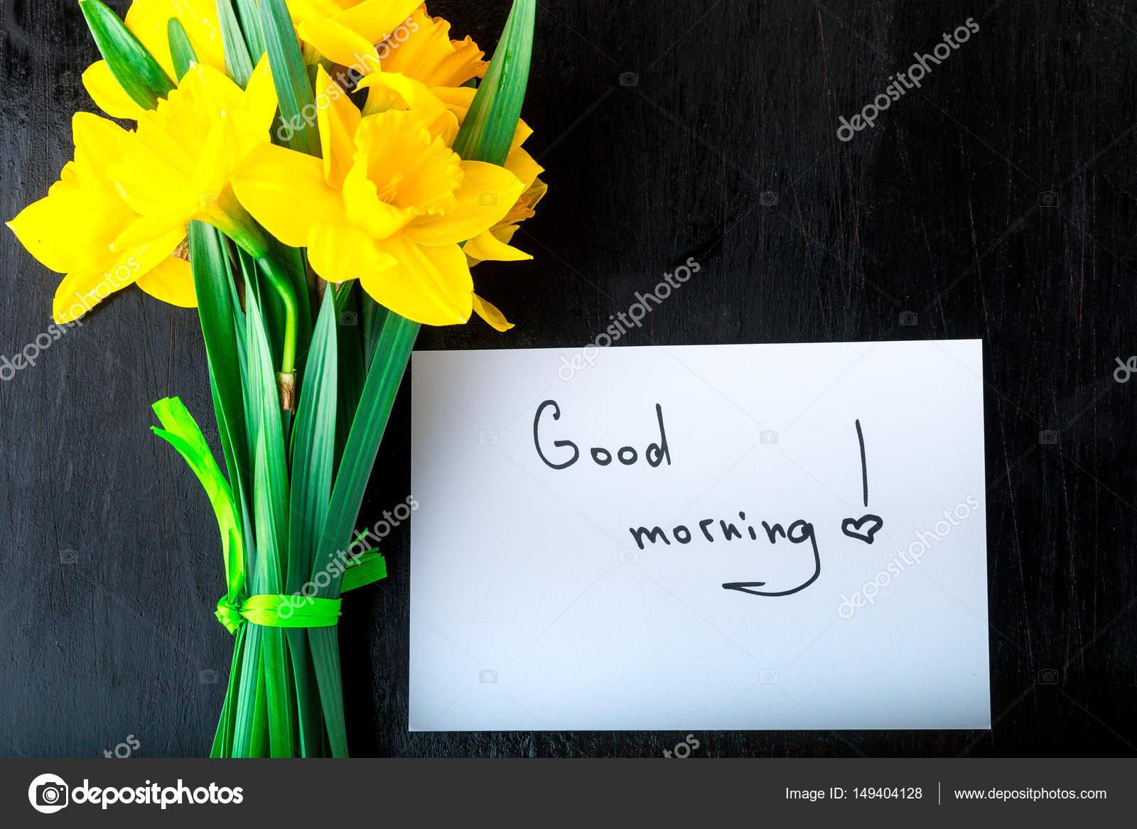 Gelbe Narzisse Blumen Und Guten Morgen Auf Weißem Rustikalen