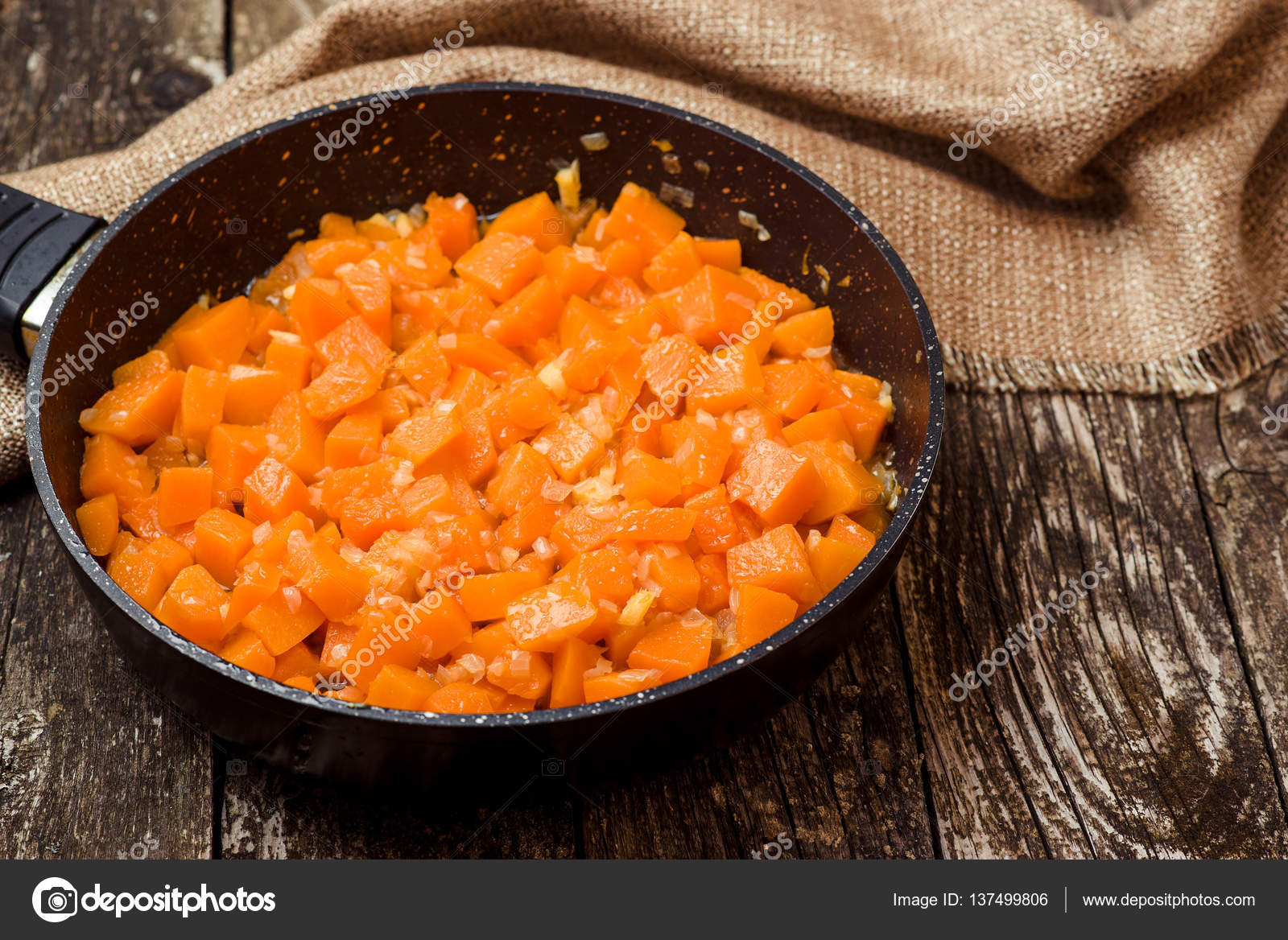 тыква запеченная на сковороде