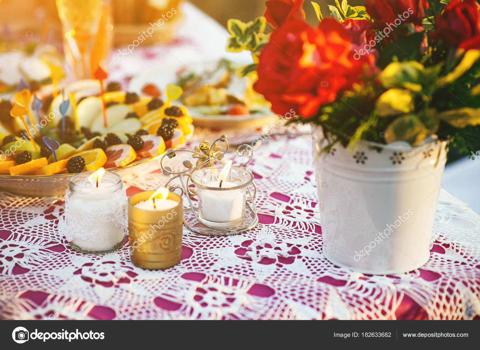 Vintage Elements And Decorations For Outside Wedding Decor