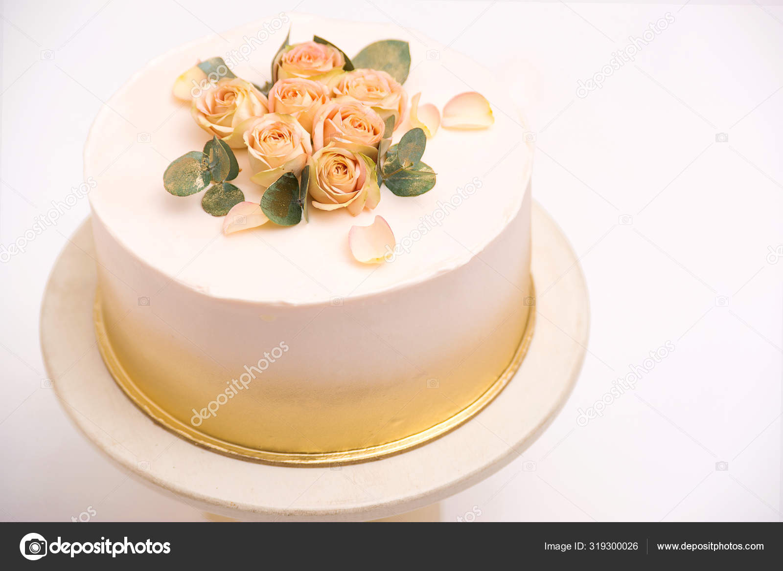 Outstanding Elegant Wedding Cake With Beautiful Roses Flowers On White Table Funny Birthday Cards Online Inifofree Goldxyz
