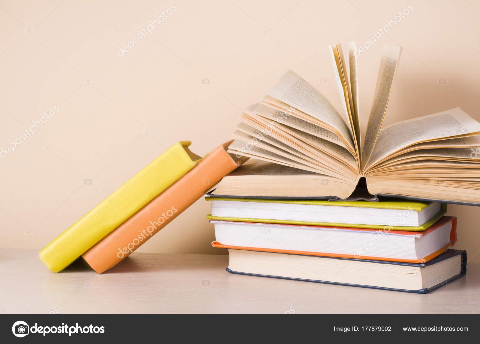 Dibujos: Libros Abiertos Antiguos