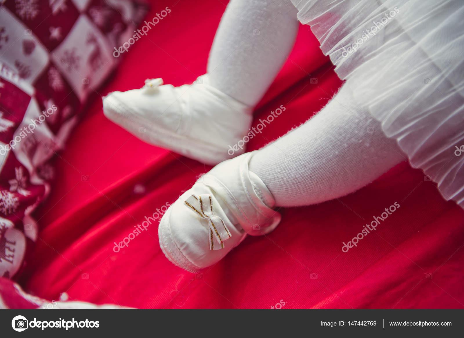 molodimi-seks-foto-gryaznie-nogi-v-kolgotkah
