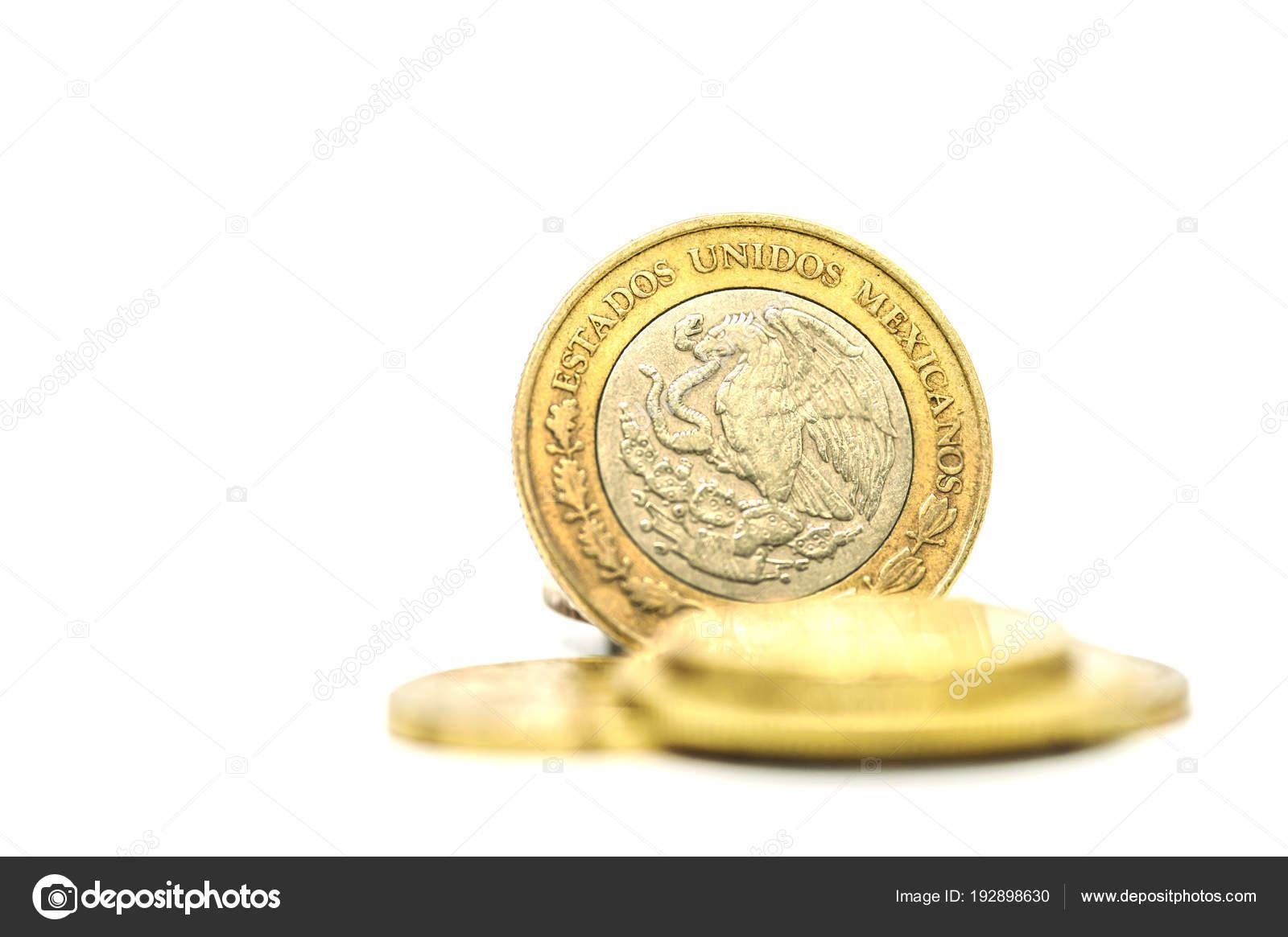 Mucchio Della Moneta Soldi Peso Messicani Sfondo Bianco Tinta Unita