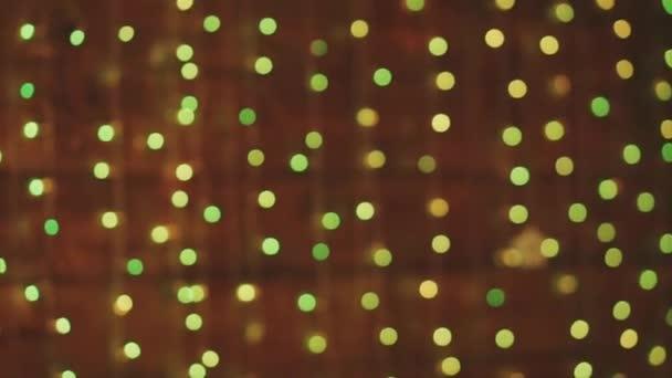 Bokeh rozostřeného vánoční ozdoby dekorace Pure na dřevěné pozadí