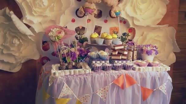 Krásně zdobené dezert tabulky babyshower oslavu