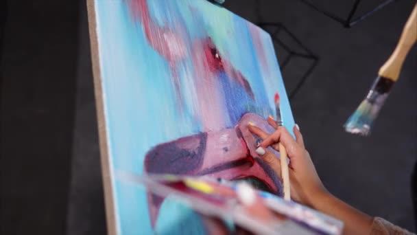 Zár megjelöl szemcsésedik-ból egy pop-objektum létrehozása a vászon, a festőállvány áll