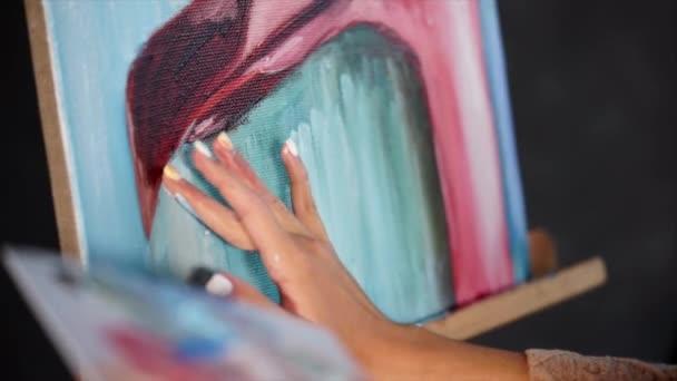 Close look at the process of drawing flamingo.