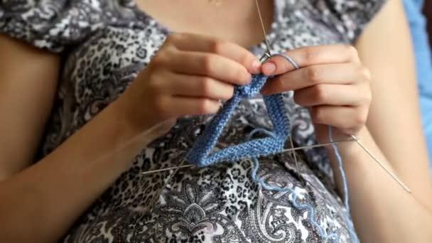 Schwangere Frau Häkeln Für Baby Während Der Schwangerschaft Häkeln Stricken Prozess