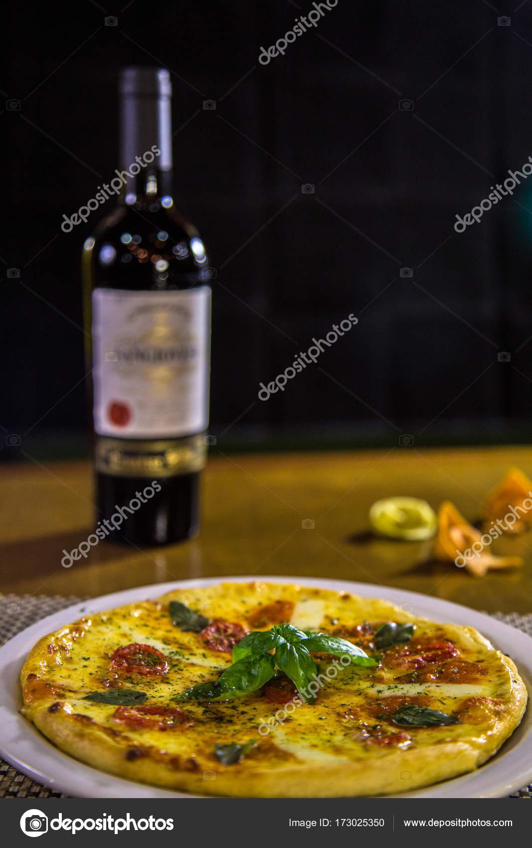 Cozinha comida brasileira de pizza stock photo for Stock cuisine saint priest