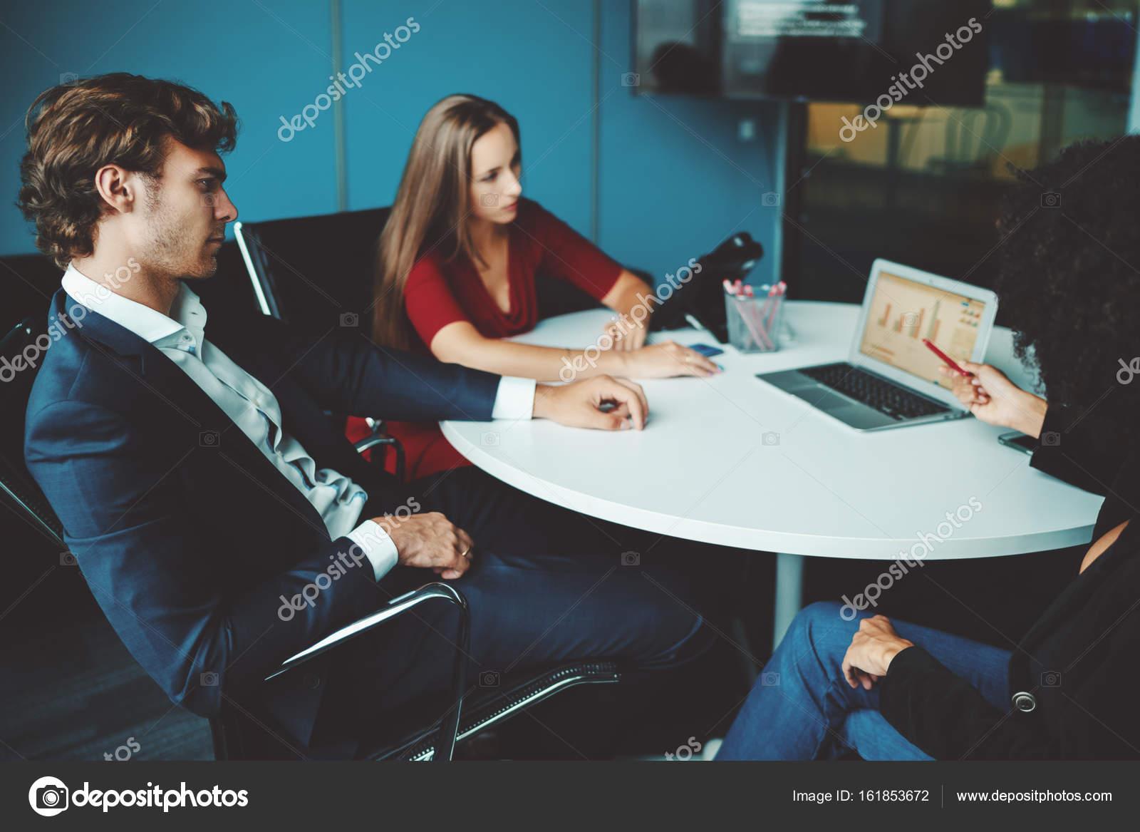 Capo Ufficio Disegno : Presentazione per il capo dello sviluppo della società u2014 foto stock