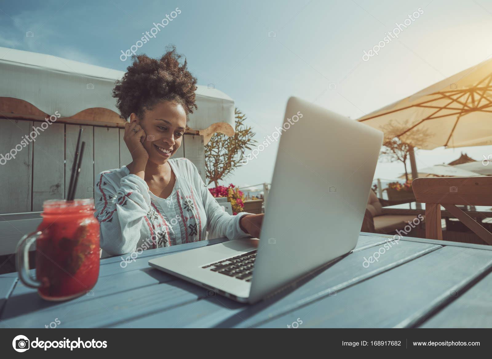www Ebenholz Mädchen com