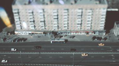 Tiltshift shooting of city highway