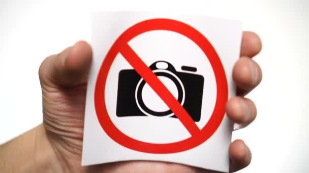 Žádné fotografování. Video není povoleno