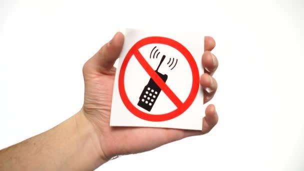 keine Telefone erlaubt Zeichen isoliert. Männliche Hand hält kein Anrufzeichen