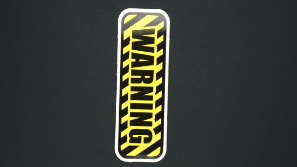 FIGYELMEZTETÉS, figyelmeztető jel szöveg