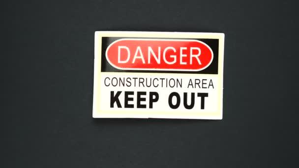 DANGER CONSTRUCTION AREA KEEP OUT Warnschild Worttext
