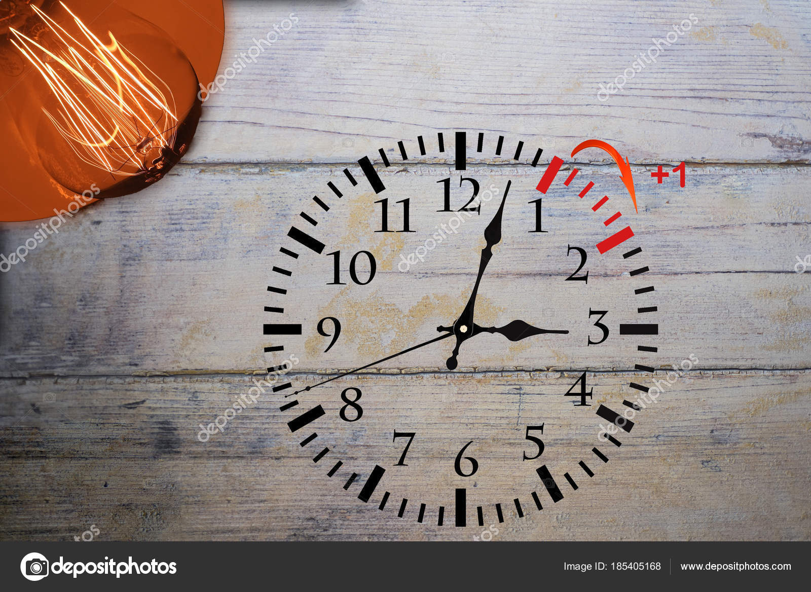 5e74aa3a5 Horário de verão. Relógio de mudança de horário de verão — Fotografia de  Stock