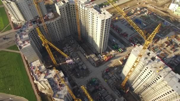 Letecký pohled na obrovské staveniště