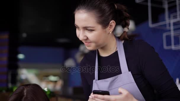 Видео в ресторане телки, дороти блэк порно модель