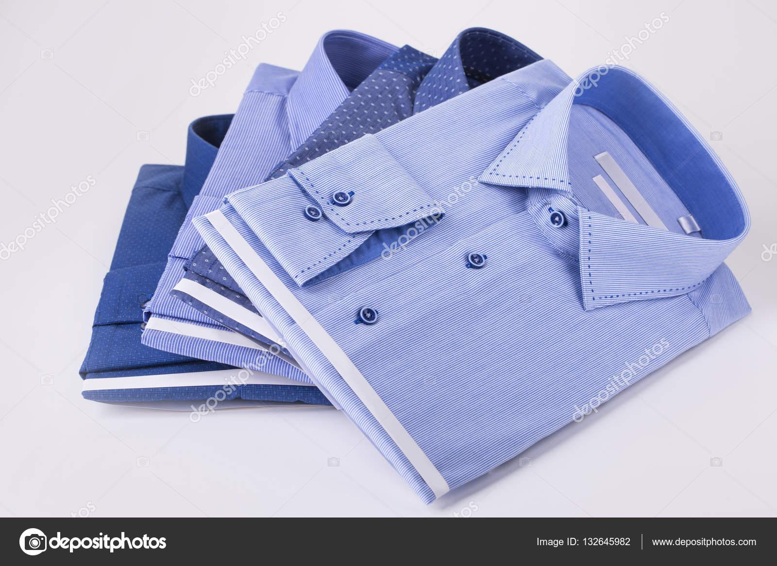 dff9eab5257e Κλασικά ανδρικά πουκάμισα στοιβάζονται — Φωτογραφία Αρχείου ...