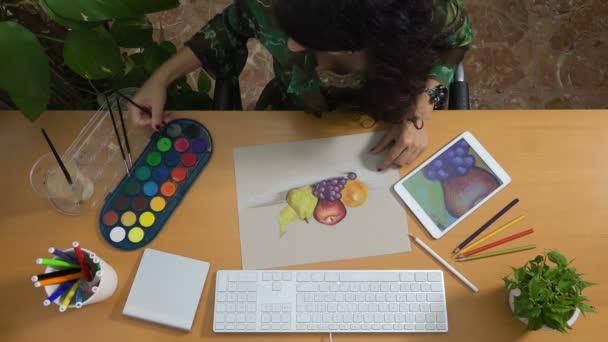 Žena kresby pastely akvarelu tabletu umění zátiší tvořivost