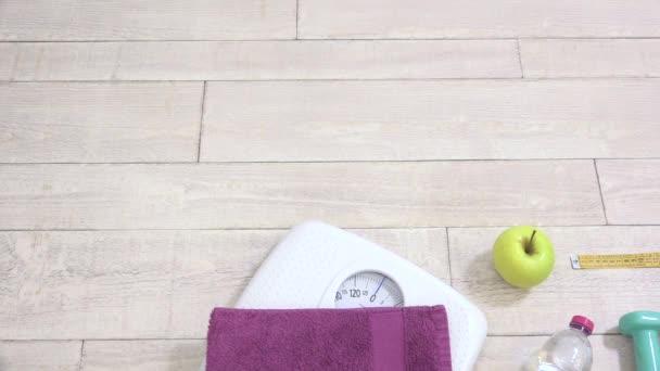 Dřevěné pozadí koncept ztrácí váhu fyzické aktivity, stravovací návyky a zdravotní péče