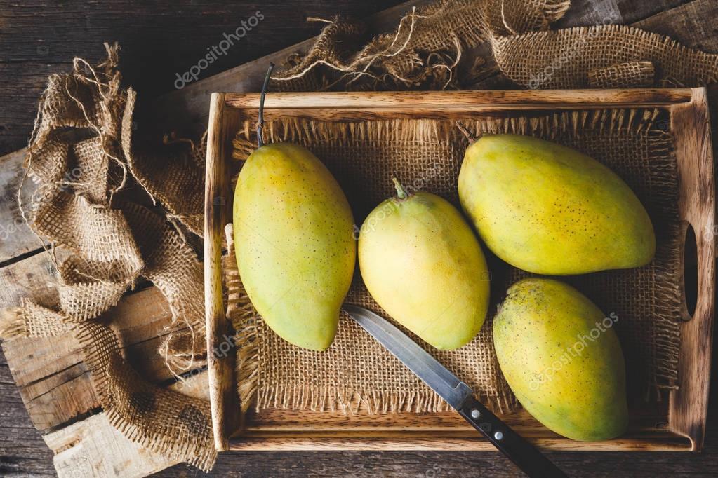 Fresh ripe mangoes from Vietnam